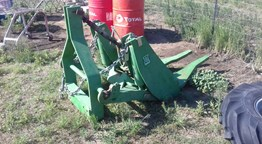 John Deere 8530 Front Hitch
